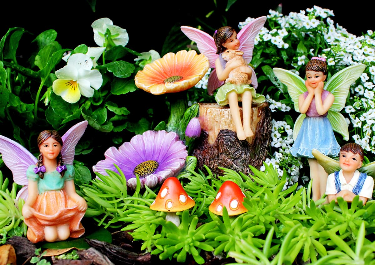 10 Fairy-Friendly Flowering Plants for Outdoor Fairy Gardens