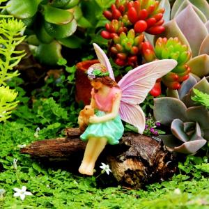 Forest Fairies – Sitting Fairy